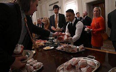Trump serves McDonald's, Burger King to visiting Clemson football team