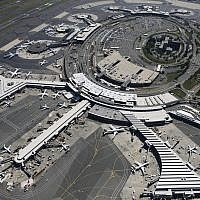 In this Sept. 8, 2008 file photo, planes are parked at terminals at Newark Liberty International Airport in Newark, N.J. Federal aviation authorities stopped flights from flying into and out of Newark Liberty International Airport on Tuesday, Jan. 22, 2019, due to reports of drones spotted above nearby Teterboro Airport. Reports say the drones were no longer in the airspace and flights had resumed landing at Newark on Tuesday evening. (AP Photo/Mark Lennihan)