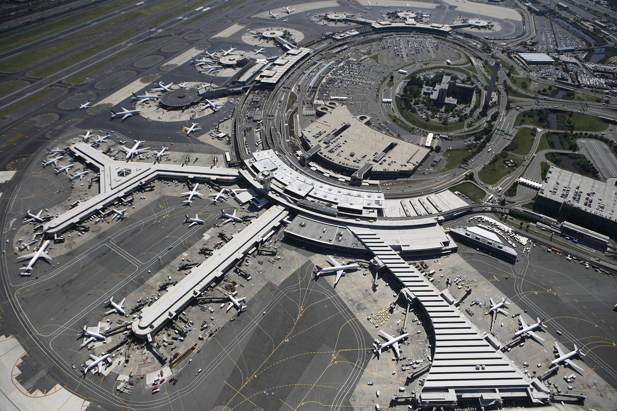 Reports of drone disrupt flights at USA  airport