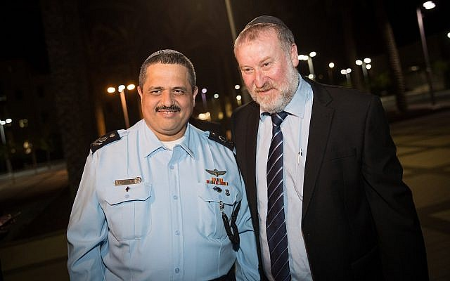 Outgoing Police Commissioner Roni Alsheikh with Attorney General Avichai Mandelblit during a farewell ceremony in Alsheich's honor, in Beit Shemesh, on November 29, 2018. (Yonatan Sindel/Flash90)