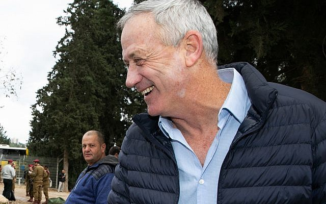 Former IDF chief of staff Benny Gantz at the funeral of Israel Prize winner Zvika Levi in Kibbutz Yifat, northern Israel, December 31, 2018.(Anat Hermony/Flash90)