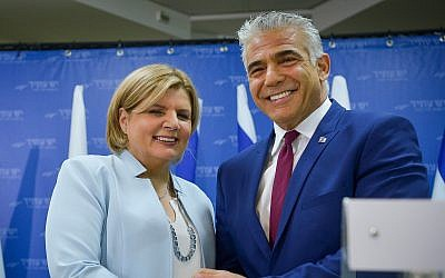 Yesh Atid chairman Yair Lapid (R) with new party member Orna Barbivai, the first woman to have been appointed an IDF major general, January 1, 2019. (Yossi Zeliger/Flash90)