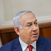 Prime Minister Benjamin Netanyahu leads the weekly government cabinet meeting at the Prime Minister's Office in Jerusalem, January 6, 2019 (Alex Kolomoisky/Yedioth Ahronoth/Pool)