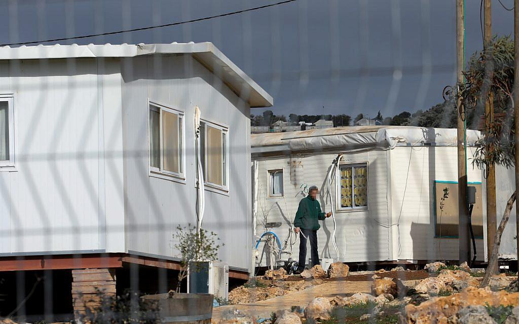 The Pri Haaretz Yeshiva in the Rehelim settlement on January 8, 2019. (Ofer Meir/Flash90)
