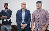 Israel Bar Association former chairman Efi Nave (center) at a Tel Aviv court on January 16, 2019 (Koko/Pool/Flash90)
