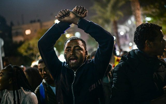 Ethiopian-Israelis protest in Tel Aviv's Rabin Square against police violence toward their community, January 30, 2019. (Tomer Neuberg/Flash90)