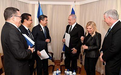 Benjamin Netanyahu, third right, and Juan Orlando Hernandez, third left, meeting in Brasilia, Brazil, on January 1, 2019. (Avi Ohayon/GPO)
