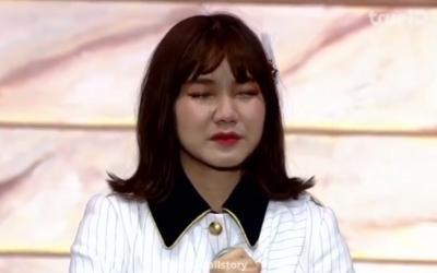 Pichayapa 'Namsai' Natha of Thai pop group BNK48 tearfully apologizes for wearing swastika T-shirt, January 26, 2019 (Screen grab via Instagram)