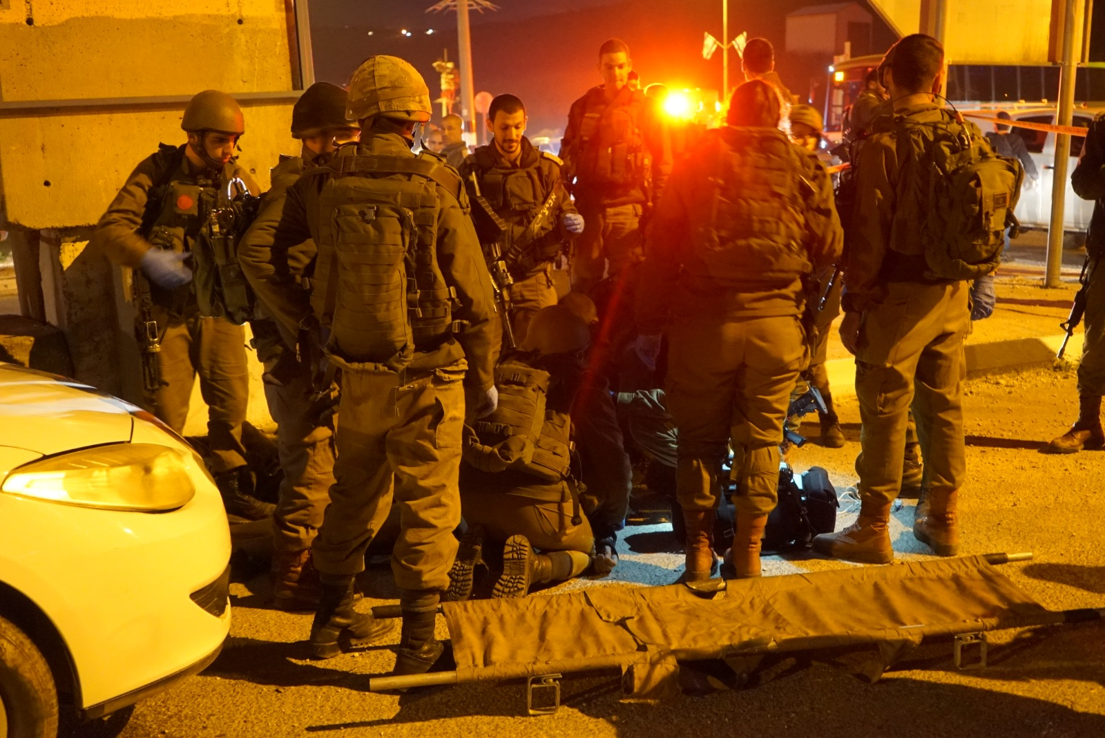 Soldiers at the scene of an attempted stabbing attack near the West Bank  city of Nablus a5d86cfa016cc