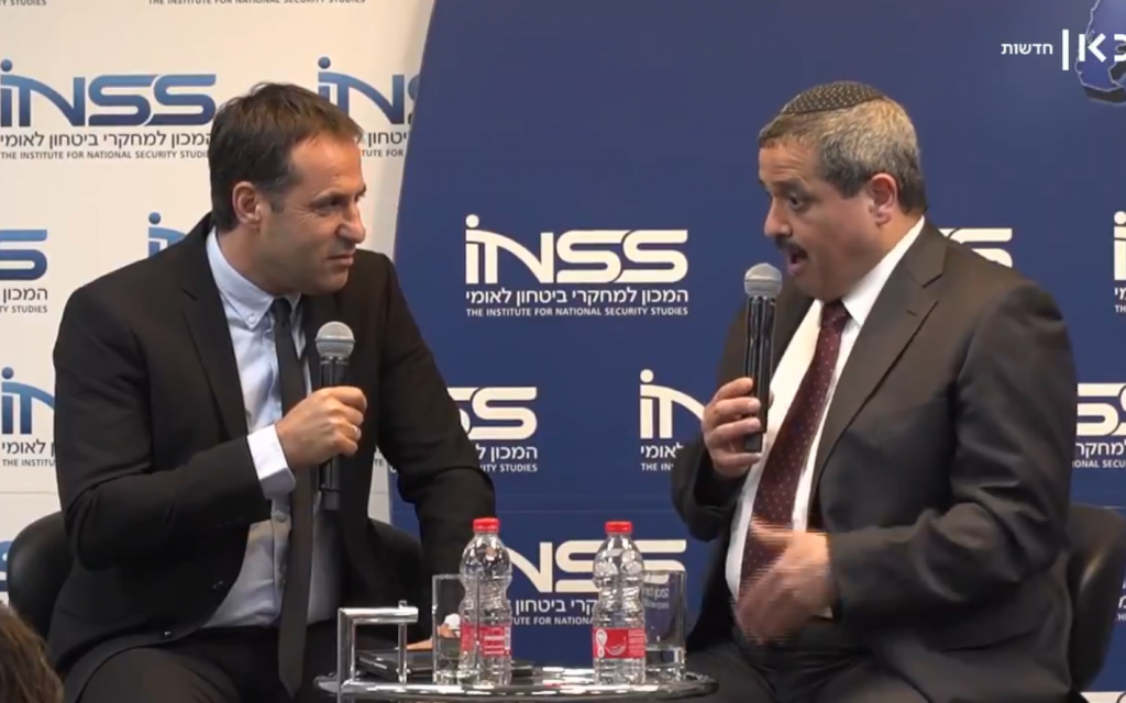 Former police chief Roni Alsheich (R) is interviewed by Udi Segal at the Institute for International Security Studies conference in Tel Aviv on January 27, 2019. (Sc