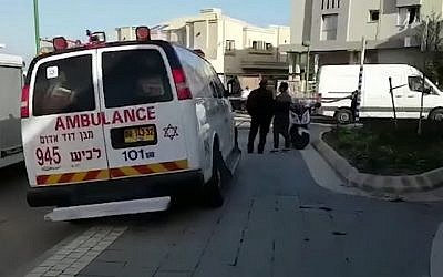 First responders at the scene of a suspected car bombing in Ashkelon, January 21, 2019. (YouTube screenshot)