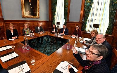 The Independent Group of MPs hold their first meeting, in London on February 25, 2019. (John Stillwell / POOL / AFP)