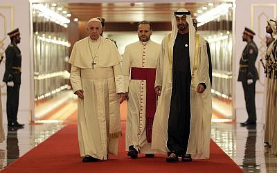Pope Francis is welcomed by Abu Dhabi's Crown Prince Sheikh Mohammed bin Zayed Al Nahyan, upon his arrival at the Abu Dhabi airport, United Arab Emirates, on February 3, 2019. (AP Photo/Andrew Medichini, Pool)