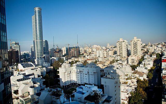 View of the Israeli city of Ramat Gan. February 2, 2015. (Moshe Shai/FLASH90)