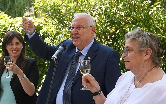 President Reuven Rivlin (C) his wife Nechama (R) and deputy foreign minister Tzipi Hotovely seen hosting a reception for the Foreign Diplomatic Corps in Israel, at the President's residence in Jerusalem on September 18, 2017. ( Mark Neyman/GPO)