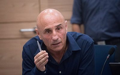 Yesh Atid MK Ofer Shelah attends a Knesset Foreign Affairs and Defense Committee meeting on April 30, 2018. (Miriam Alster/Flash90)