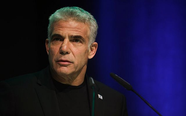 Yesh Atid chairman Yair Lapid speaks during an event hosted by the Movement for the Quality of Government, in Modiin, on February 4, 2019. (Hadas Parush/Flash90)