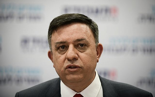 Avi Gabbay, leader of the Labor Party, speaks during a party meeting in Tel Aviv on February 13, 2019. (Tomer Neuberg/Flash90)