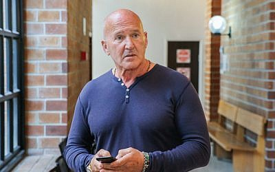 Rafi Refaely, father of Israeli model Bar Refaeli, seen at the Kfar Saba Magistrate's Court, where he was convicted on February 17, 2019 of threatening the former deputy mayor of Hod Hasharon, Yoav Rozen. (Flash90)