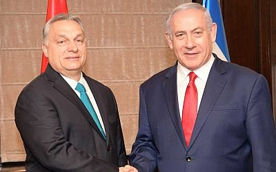 Hungarian Prime Minister Viktor Orban, left, with Prime Minister Benjamin Netanyahu at the King David Hotel in Jerusalem, February 19, 2019. (Amos Ben Gershom)