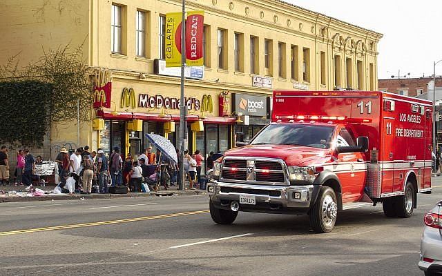 A Los Angeles Fire Department rescue ambulance on Alvarado Street near MacArthur Park in Los Angeles, California, October 18, 2015. (Wikipedia/Junkyardsparkle/public domain)