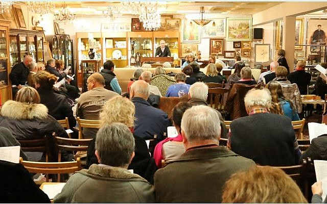 """The auction hall in Auktionshaus Weidler im Nuremberg, Germany, where five paintings signed """"A. Hitler"""", all of them watercolours, will be auctioned off on February 9, 2019. 26 other artworks were pulled from the sale as suspected forgeries. (Screenshot)"""