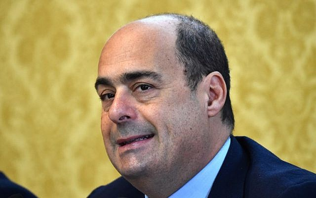 Nicola Zingaretti, president of the Lazio region, attends a press conference in Rome, November 19, 2015. (Gabriel BOUYS/AFP)