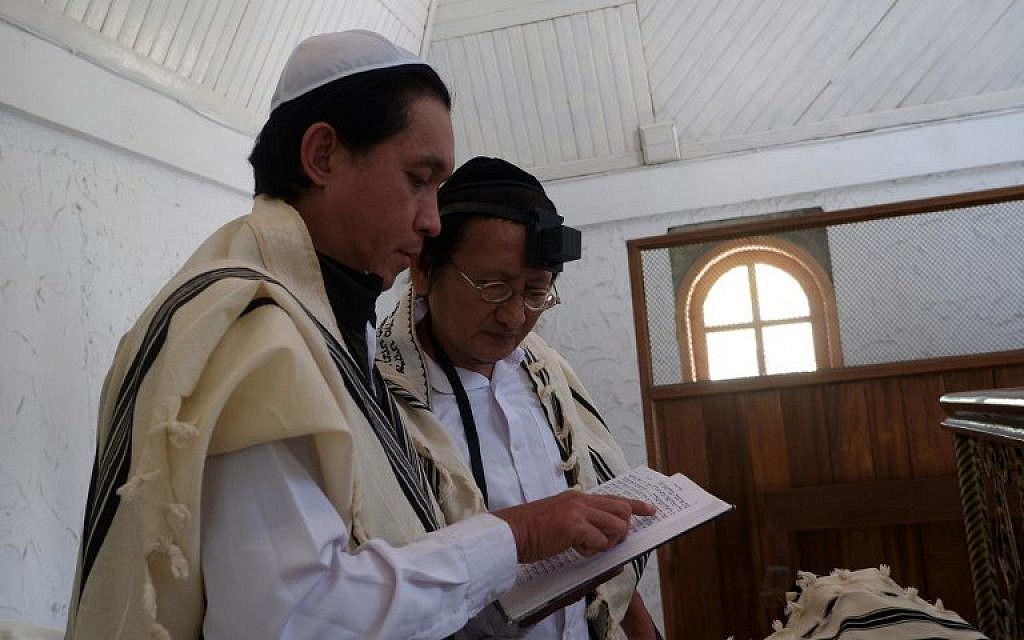This picture taken on March 4, 2019 shows Indonesian Jews at a synagogue in Tondano, North Sulawesi (Ronny Adolof Buol / AFP)