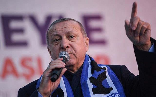 Turkish President Recep Tayyip Erdogan addresses a local election rally for his Justice and Development Party on March 5, 2019, at Istanbul's Kasimpasa district. (Ozan KOSE / AFP)