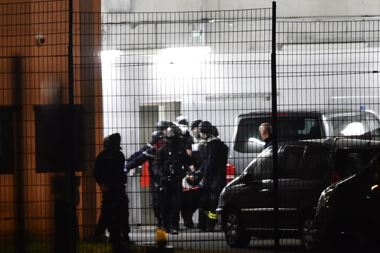 Inmate wounds two French prison guards in 'terrorist attack'