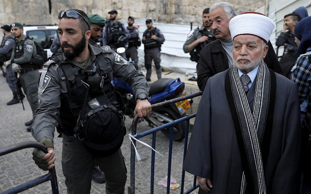 Jew Detector: Police To Reopen Temple Mount Wednesday, 24 Hours After