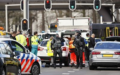 Police forces at 24 Oktoberplace in Utrecht, on March 18, 2019 after a deadly shooting at the site. (Robin van Lonkhuijsen/ANP/AFP)