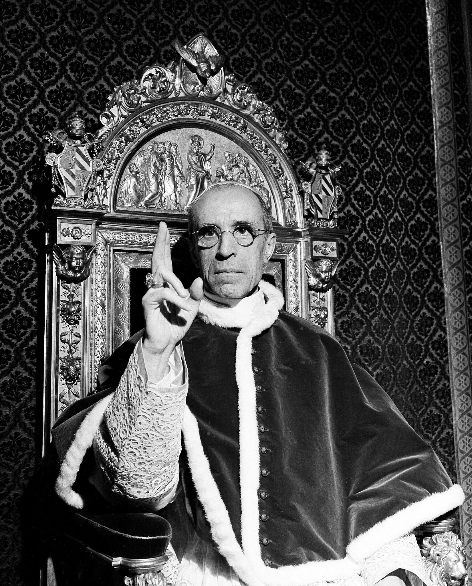 Vatican to open secret archives of wartime Pope Pius XII