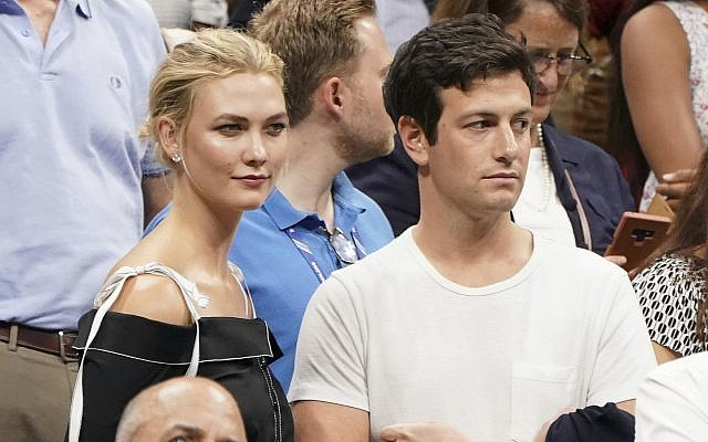 Karlie Kloss, top left, and Joshua Kushner attend the semifinals of the U.S. Open tennis tournament at the USTA Billie Jean King National Tennis Center in New York on Sept. 6, 2018 (Photo by Greg Allen/Invision/AP, File)