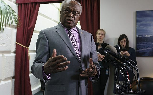 US House Majority Whip James Clyburn, a South Carolina Democrat, speaks during a news conference on Capitol Hill in Washington, January 17, 2019. (AP Photo/Carolyn Kaster)