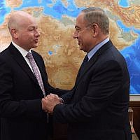 Jason Greenblatt, left, meeting Israeli Prime Minister Benjamin Netanyahu during a visit to Jerusalem, March 13, 2017. (Government Press Office)