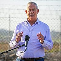 Blue and White party leader Benny Gantz holds a press conference in Kibbutz Nahal Oz in southern Israel on March 15, 2019. (Flash90)