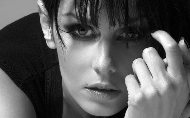 French songstress Emma Shapplin will perform with Israeli singer Idan Raichel on April 27, 2019 in Tel Aviv (Courtesy Emma Shapplin)