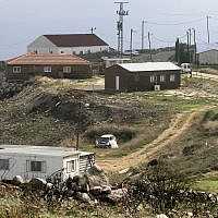 The outpost of Lehava Yitzar in the northern West Bank on November 15, 2006. (Olivier Fitoussi /Flash90)
