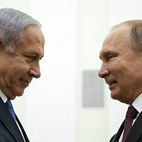 Russian President Vladimir Putin (R) speaks with Prime Minister Benjamin Netanyahu, during their meeting at the Kremlin in Moscow on April 4, 2019. (Alexander Zemlianichenko / POOL / AFP)