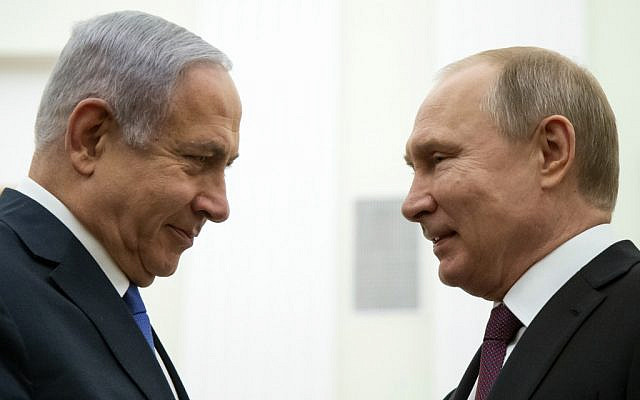 Russian President Vladimir Putin (R) speaks with Prime Minister Benjamin Netanyahu, during their meeting at the Kremlin in Moscow on April 4, 2019. (Alexander Zemlianichenko/POOL/AFP)