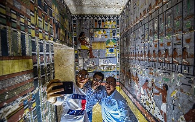 Egypt unveils tomb still bursting with color after 4300 years
