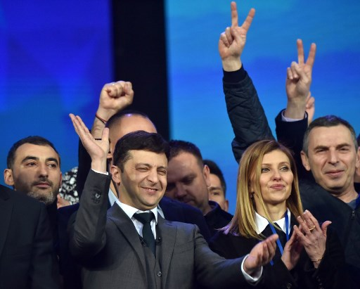 Exit poll suggests Jewish comedian leads Ukrainian presidential election