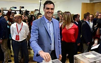 Spanish Prime Minister, and Spanish Socialist Party (PSOE) candidate for prime minister, Pedro Sanchez casts his ballot at a polling station in Madrid, during general elections in Spain on April 28, 2019. (JAVIER SORIANO / AFP)