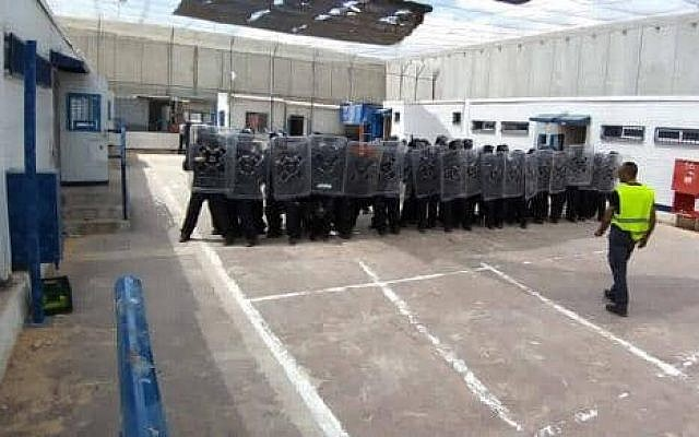 Prison guards during anti-riot training at Ketziot Prison, April 2019 (Israel Prisons Authority)