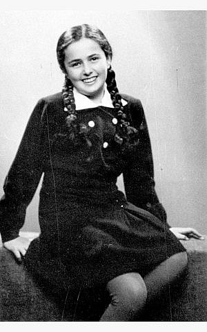 09e18688c316 This photo shows a 13-year-old Eva Heyman photographed in Hungary months  before she was murdered in a Nazi concentration camp in 1944. An Instagram  account ...