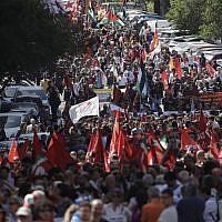 People take part in a Liberation Day march in Rome, Thursday, April 25, 2019 (AP Photo/Alessandra Tarantino)