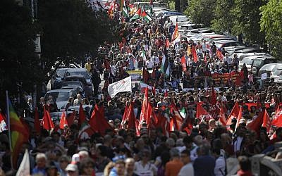 People take part in a Liberation Day march in Rome, Italy, Thursday, April 25, 2019. (AP/Alessandra Tarantino)