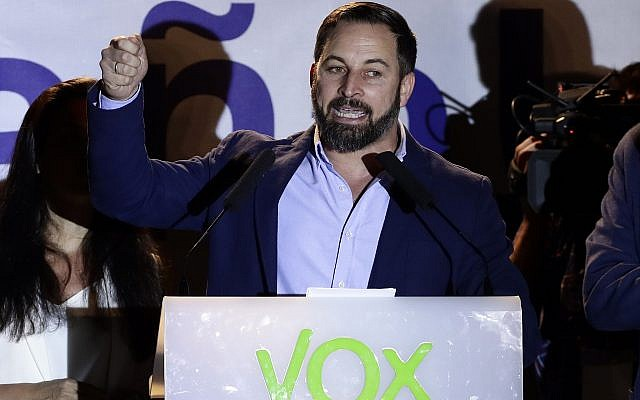 Santiago Abascal, leader of far right party Vox, addresses supporters gathered outside the party headquarters following the general election in Madrid, Sunday, April 28, 2019. (AP Photo/Manu Fernandez)