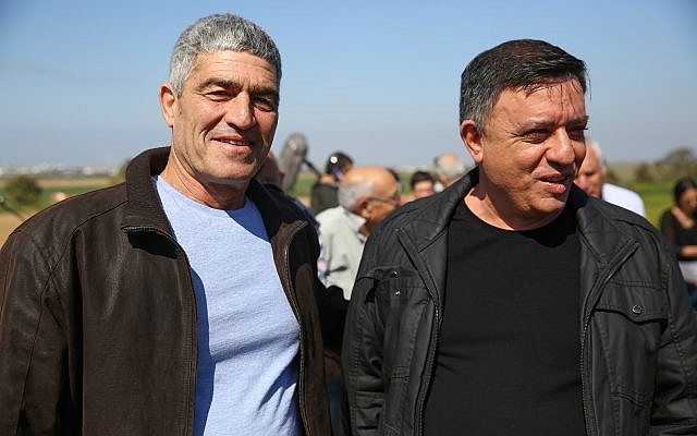 Labor Party leader Avi Gabbay (right) and party member Tal Russo during a press conference held in Kibbutz Nahal Oz during a visit to southern Israeli communities bordering the Gaza Strip, on March 7, 2019. (Flash90)
